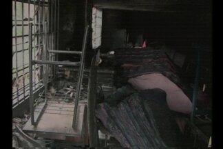 Escolas da região noroeste apresentam antigos problemas - Em Ijuí, RS, uma escola que pegou fogo ainda não foi reformada.