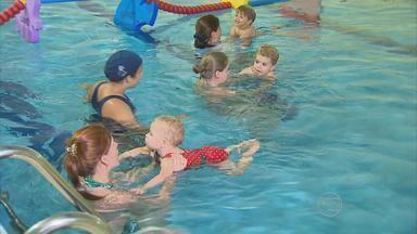 Especialistas ensinam como garantir a segurança das crianças em piscinas - São medidas simples e mudanças de atitude que garantem maior segurança.
