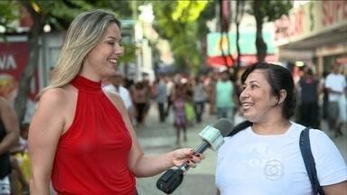 Povão opina sobre uso do silicone - Opinião se divide nas ruas