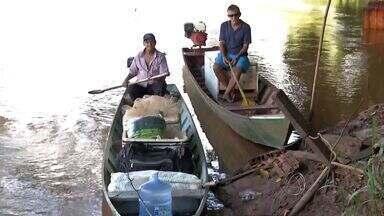 Após fim da piracema, pescadores voltam aos rios - Com o fim da piracema, os pescadores voltaram a colocar os barcos nos rios. Eles buscam reforçar o estoque, principalmente por causa da quaresma.