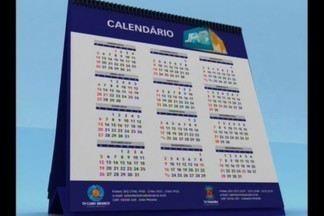 Calendário mostra problema em comunidade localizada em Campina Grande - Os moradores da Vila Castelo Branco reclamam de esgoto a céu aberto.