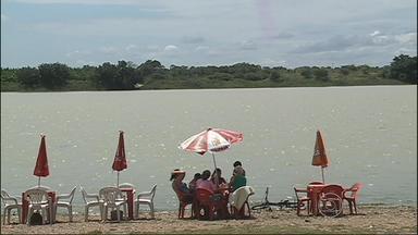 Balneário de Pedrinhas foi um dos destinos mais procurados pelos turistas - Local fica às margens do Rio São Francisco. Donos de bares comemoram o aumento de 20% das vendas no período.