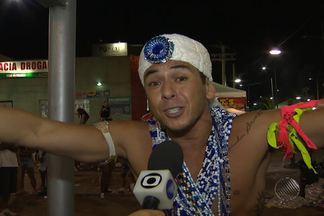 Foliões não querem acreditar que o carnaval chegou ao fim - Tem gente que nem voltou para casa, à espera do arrastão desta quarta,.