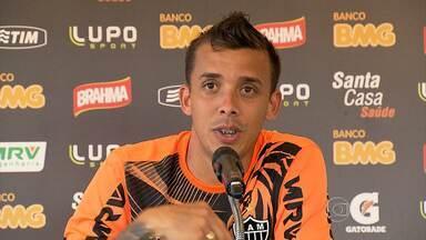 Técnico do Atlético-MG pode estreiar jogador em partida desta quarta-feira - O lateral Pedro Botelho pode ter a oportunidade de entrar em campo, já que Dátolo, que ocupa a vaga, está fora por causa de dores na coxa esquerda.