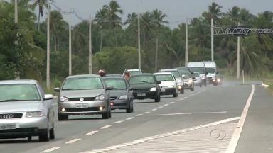 Volta para a casa é tranquila para motoristas que seguem pela AL-101 Sul e Norte - Mesmo com grande movimento, não houve congestionamento.