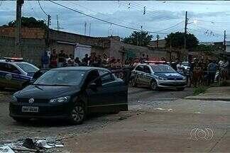 Dois homens são assassinados em Valparaíso de Goiás - A Polícia Civil investiga a causa dos crimes e procura pelos suspeitos.