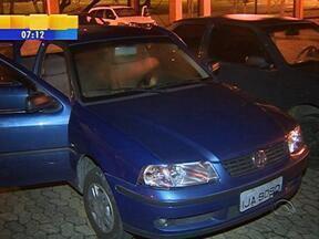 Estudante salva casal de aposentados durante assalto em Porto Alegre - Um dos assaltantes tem 13 anos de idade.