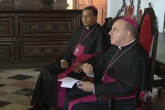 Igreja Católica lança Campanha da Fraternidade e celebra missa que abre período da Quaresm - Tema deste ano da campanha é o combate ao tráfico humano.