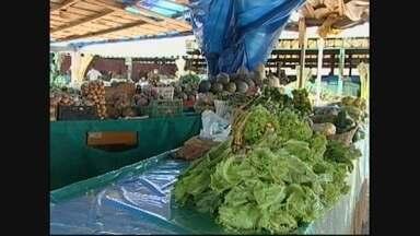 Produção de frutas e hortaliças estão comprometidas pelo excesso de chuvas em Ariquemes - Feirantes e comerciantes estão sendo obrigados a buscar os produtos mais longe.