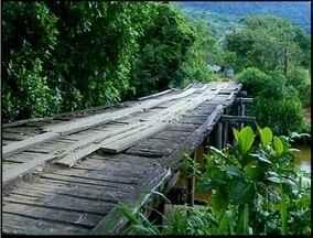 Estradas na área rural de Campos, RJ, não tem infraestura e produtores sofrem - A prefeitura informou que a reforma das estradas está em processo de licitação mas não informou uma data para início das obras.