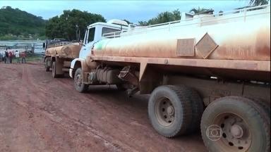 Preço do litro da gasolina na Amazônia chega a R$ 10 - O motivo da alta do preço são as enchentes, que alagaram as estradas e dificultaram o transporte de mercadorias. Nove cidades já decretaram estado de emergência no Amazonas.