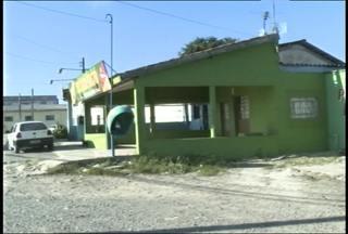 Lancheria é atacada com bombas de coquetel molotov em Santa Maria, RS - O fato aconteceu na madrugada de hoje, em uma lancheria na BR 392, na vila Lorenzi.