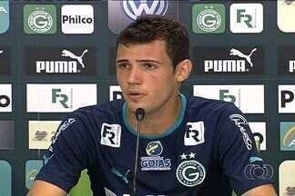 Léo Bonatini destaca empenho do Goiás na temporada - Atacante deve ter oportunidade contra o Crac e celebra bom momento da equipe.