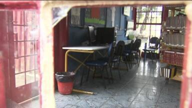 Moradores reclamam que Farol do Saber continua fechado - Prefeitura promete contratar mais funcionários