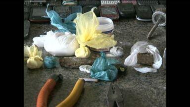 Drogas e celulares são encontrados na delegacia de Cianorte - A revista foi realizada depois que um preso fez postagens numa rede social.