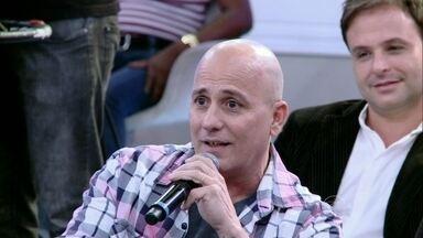 Márcio afirma que se acostumou com a calvície - Conhecido como DJ Careca, ele acredita que essa é sua identidade
