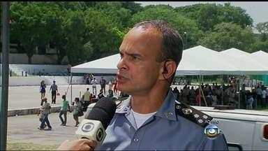 Companhia de Instrução do Bope será deslocada para o Complexo do Alemão - Segundo o comandante geral da PM, coronel José Luiz Castro Menezes, o efetivo será reforçado com mais 100 policiais militares que vão passar por treinamentos com o Bope.