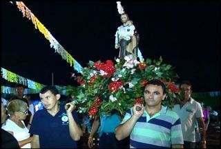 Moradores do Bairro Limoeiro realizam festa em homenagem a São José - Bairro fica localizado na cidade de Juazeiro do Norte.