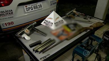 Armamentos de fabricação caseira são encontrados em Santa Luzia - Foram apreendidas submetralhadoras, chapas de aço e máquinas.