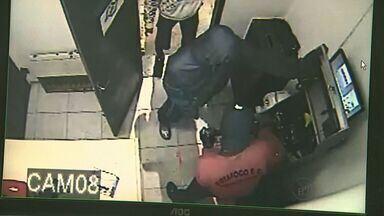 Funcionários e clientes de posto em Ribeirão Preto têm madrugada de terror - Foram sete minutos na mira dos ladrões.