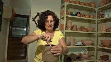 Conheça o trabalho da artista Sônia Striquer Patrial - Artista que escolheu Mato Grosso do Sul para viver apresenta seu artesanato no Canto das Artes