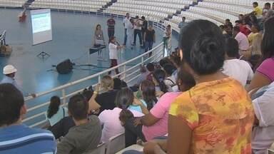 No AM, voluntários recebem treinamento intensivo em jogo na Arena da Amazônia - Jogo será segundo teste do estádio em Manaus; local será sede de jogos da Copa do Mundo.
