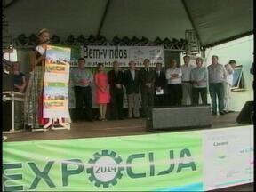 Tarso Genro anuncia asfaltamento da rodovia de acesso a Itatiba do Sul, RS - Ele estava cumprindo agenda na Região Norte do RS.