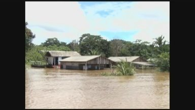Cheia do Rio Madeira deixa comunidades inundadas em Manicoré, no AM - Casas estão alagadas e famílias enfrentam dificuldades
