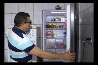Corretor de imóveis conta como conseguiu trocar geladeira por nova em 15 dias - Jorge Eduardo afirma que é preciso procurar seus direitos.