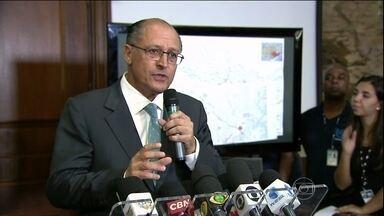 Governo de SP pede autorização para puxar água de rio federal - O governador Geraldo Alckmin confirmou que pediu à presidente Dilma Rousseff para puxar água do rio Paraíba, que é federal, para abastecer o maior sistema do estado, o Cantareira.