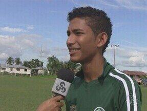 Atleta de Iranduba, no AM, é selecionado para jogar no time de base do Palmeiras - Jovem já está de malas prontas para viajar para São Paulo.