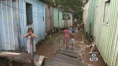TV Amazonas mostra situação de famílias desalojadas por chuva em Manaus - Diversas famílias ficaram sem casas em Manaus.