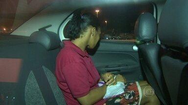 Presa a mulher condenada por ter envenenado filhas gêmeas de oito meses - A mulher de 32 anos estava foragida e foi presa em Brasília. Segundo a Polícia e a Justiça, ela assassinou as filhas com uma mamadeira envenenada em setembro de 2006.