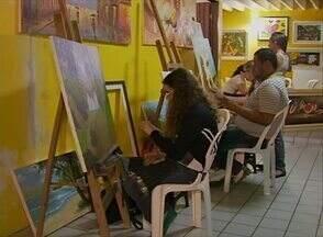 Arte pode ajudar a tirar tensão ocasionada pela rotina do trabalho - Às vezes, a correria do dia a dia acaba deixando muita gente cansada e até mesmo um pouco estressada. A pintura, por exemplo, pode ajudar em dias como esses.