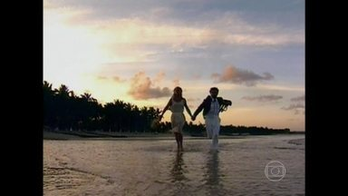 Zeca Camargo continua sua busca pela praia perfeita da ficção - Relembre mais alguns balneários que fizeram sucesso na telinha