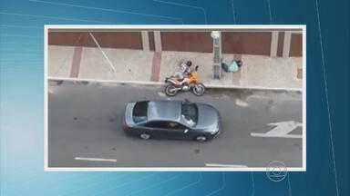 Polícia investiga a possível participação de um tenente da PMPE num duplo assassinato - Crime aconteceu em Fortaleza. Imagens de um cinegrafista amador mostram o momento das execuções.