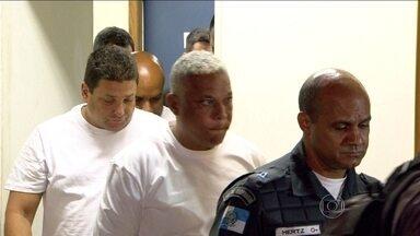 PMs que estavam em carro que arrastou mulher no Rio são libertados - Nesta quinta-feira (20), outros três policiais, que participaram da operação no Morro da Congonha, prestaram depoimento.