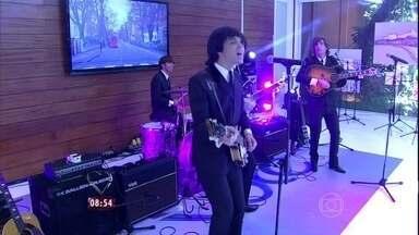 """""""Can´t Buy Me Love"""" faz o Mais Você viajar à época dos Beatles - """"All You Need Is Love"""" se apresenta com roupas idênticas às da banda inglesa"""