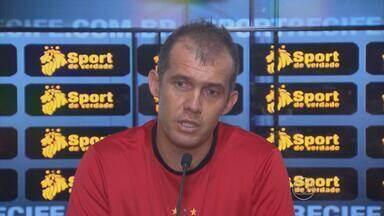 E. Baptista avisa: 'Vamos ganhar as duas competições' - Técnico do Sport esbanja confiança no time