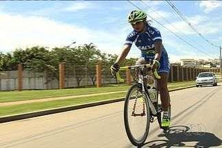 Clemilda Fernandes comemora medalha no Sul-Americano - Ciclista goiana se destaca no Chile e ajuda Brasil a ficar no topo do quadro de medalhas.