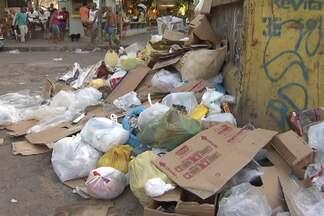 Moradores do Alto das Pombas e vale das Pedrinhas reclamam do lixo nos locais - Além do mau cheiro, elestambém se queixam dos ratos e baratas que são atraídos pela sujeira.