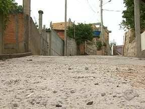 Moradores de Servidão do Alto da Caieira recebem nova rua - Moradores de Servidão do Alto da Caieira recebem nova rua