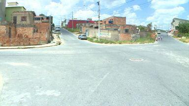 Faltam escolas, sinalização nas ruas e áreas de lazer no Bairro Renascer, em Betim - Situação enfrentada pela comunidade é mostrada pelos 'Parceiros do MGTV'.