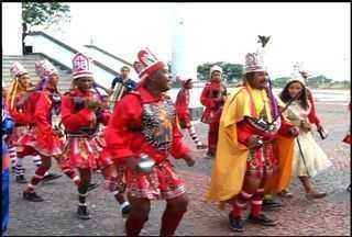 Grupos folclóricos de Juazeiro do Norte fazem homenagem a Padre Cícero - Nesta segunda-feira é comemorado 170 anos de nascimento do líder religioso.