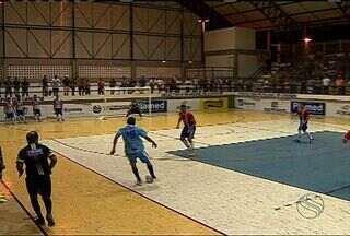 Capela empata com Canindé e pega Socorro na 2ª fase - Última partida da fase de classificação da Copa TV Sergipe de Futsal termina em 3 a 3. Canindeenses chegaram abrir 2 a 0, mas cederam empate nos minutos finais
