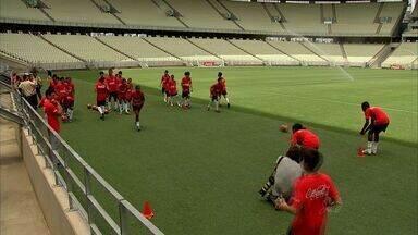 Gandulas da Copa do Mundo passam por treinamento na Arena Castelão - Confira com Caio Ricard