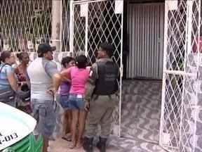 Por vingança, mulher envenena e mata marido após descobrir traição - Maria Francisca Santos confessou para a polícia ter envenenado marido.Corpo de Antonio Carlos da Silva foi encontrado nesta segunda-feira (24).