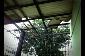 Temporal provoca estragos em Ananindeua - Forte chuva desta segunda-feira (24) teve ventos de até 90km por hora, e causou prejuízos em Ananindeua.
