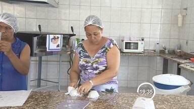 Produtores caseiros de ovos de chocolate aumentam produção para a Páscoa - Supermercado também aumentam estoques.