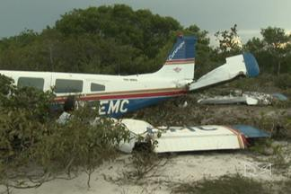 Avião que levava turistas para Barreirinhas faz pouso de emergência em Humberto de Campos - A aeronave teve uma pane a 800 metros de altura.